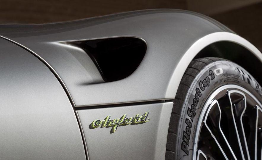 2015 Porsche 918 Spyder - Slide 40