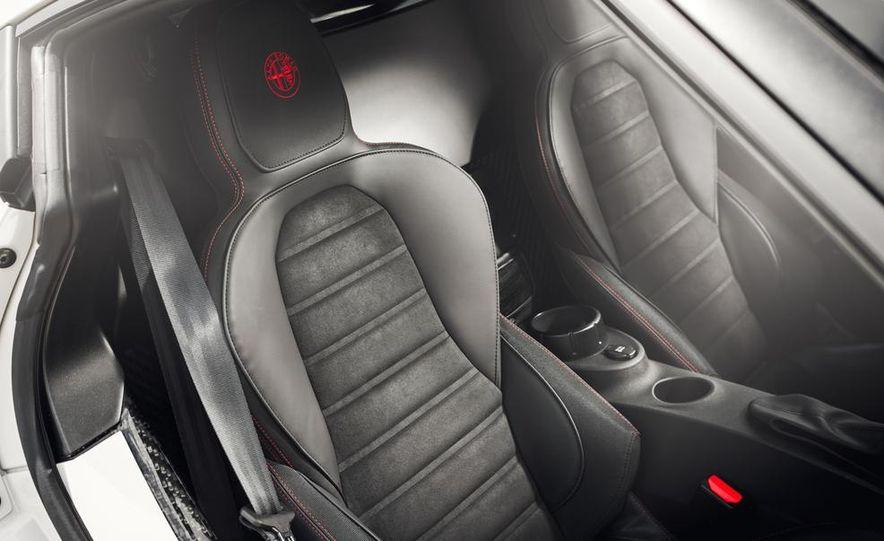 2015 Alfa Romeo 4C - Slide 28