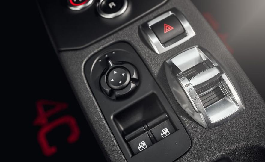2015 Alfa Romeo 4C - Slide 37