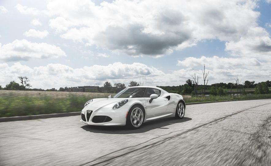 2015 Alfa Romeo 4C - Slide 4