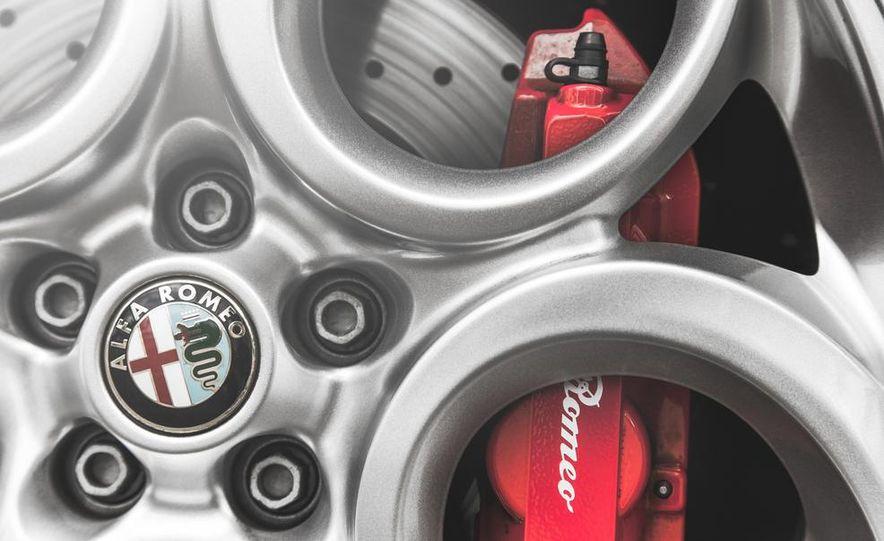 2015 Alfa Romeo 4C - Slide 20