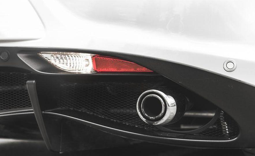 2015 Alfa Romeo 4C - Slide 24