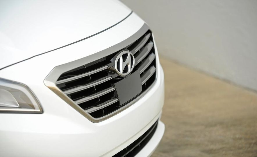 2015 Hyundai Sonata 2.4L Limited - Slide 8