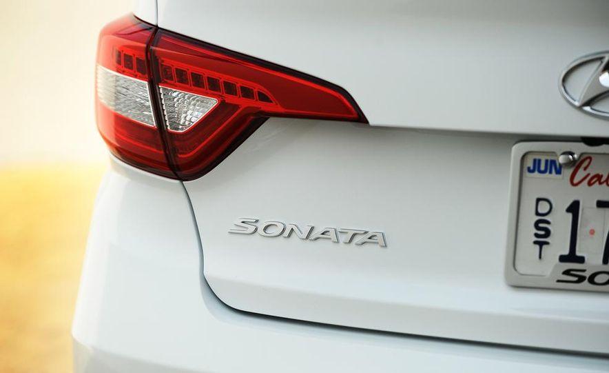2015 Hyundai Sonata 2.4L Limited - Slide 12