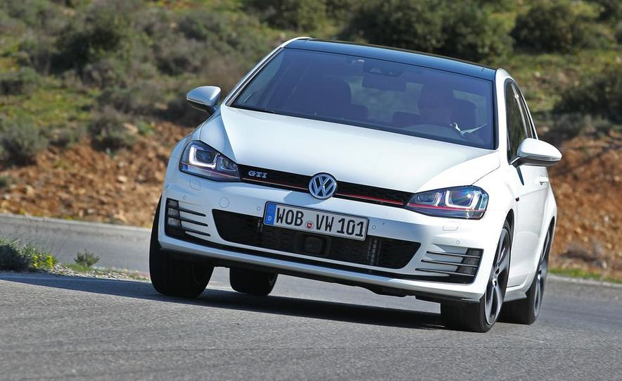 2015 Volkswagen GTI 5-door - Slide 16
