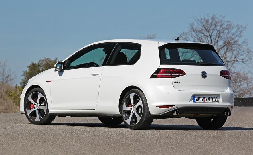 2015 Volkswagen GTI 5-door - Slide 24