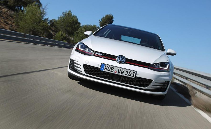 2015 Volkswagen GTI 5-door - Slide 14
