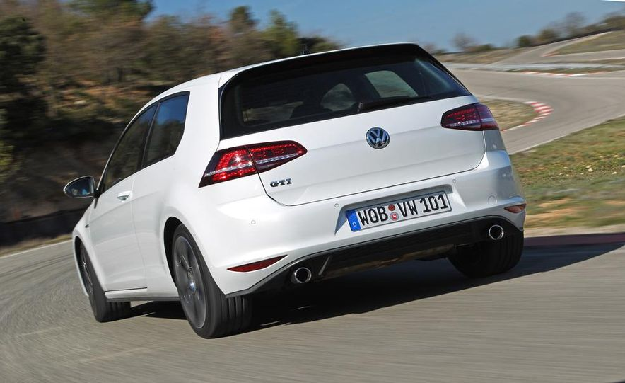 2015 Volkswagen GTI 5-door - Slide 20