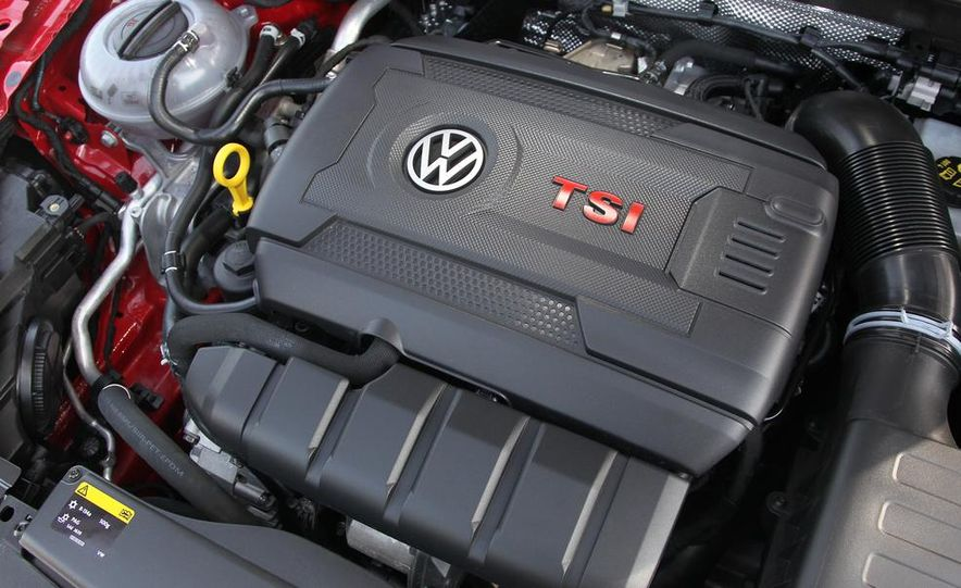 2015 Volkswagen GTI 5-door - Slide 13
