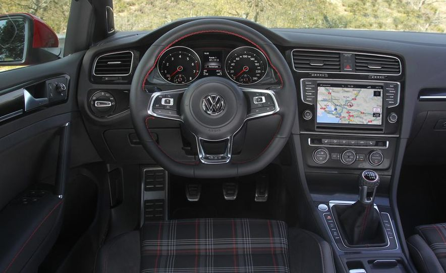 2015 Volkswagen GTI 5-door - Slide 10