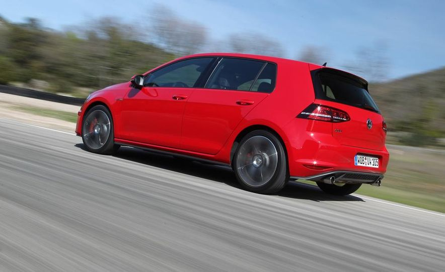 2015 Volkswagen GTI 5-door - Slide 4