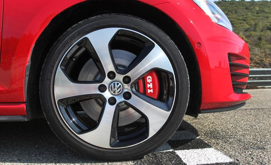 2015 Volkswagen GTI 5-door - Slide 6