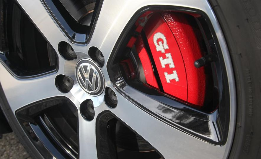2015 Volkswagen GTI 5-door - Slide 8