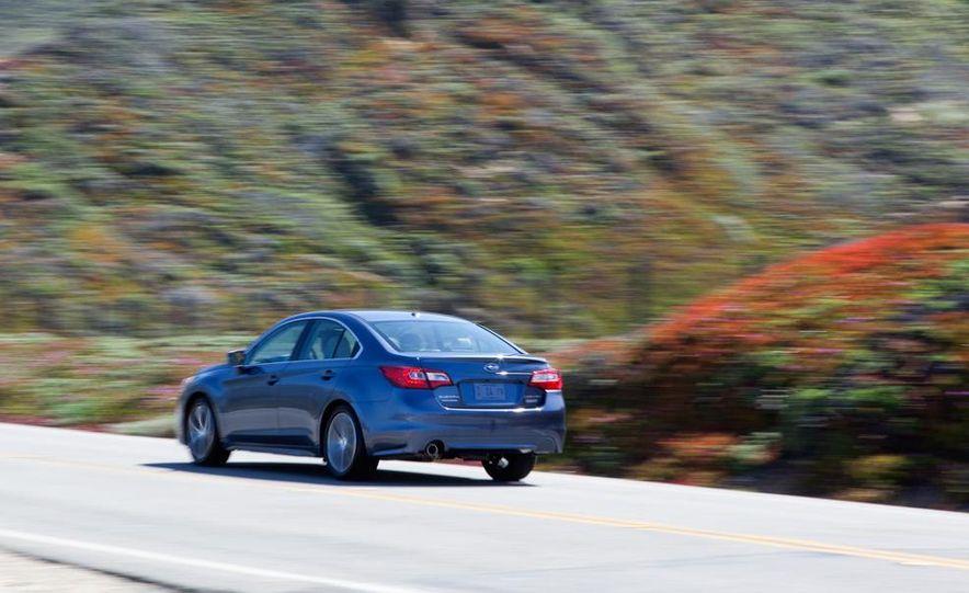 2015 Subaru Legacy 2.5i PZEV Premium - Slide 22