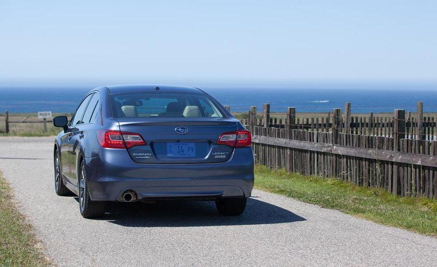 2015 Subaru Legacy 2.5i PZEV Premium - Slide 29