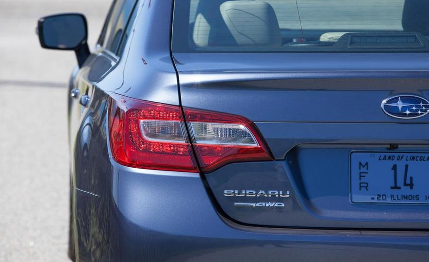 2015 Subaru Legacy 2.5i PZEV Premium - Slide 33