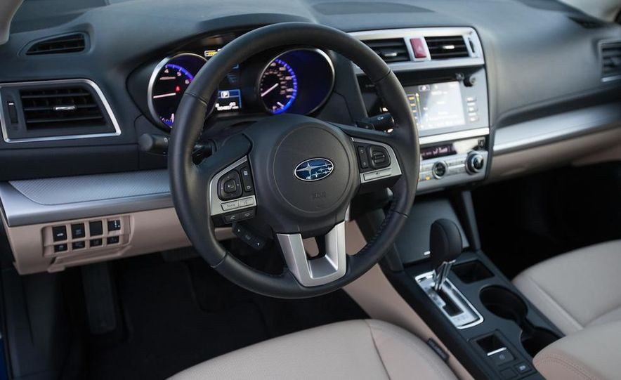 2015 Subaru Legacy 2.5i PZEV Premium - Slide 12