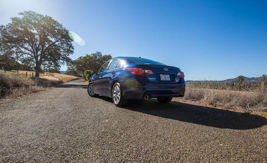 2015 Subaru Legacy 2.5i PZEV Premium - Slide 6