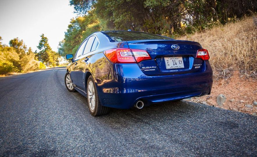 2015 Subaru Legacy 2.5i PZEV Premium - Slide 7