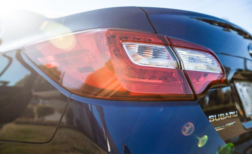2015 Subaru Legacy 2.5i PZEV Premium - Slide 10