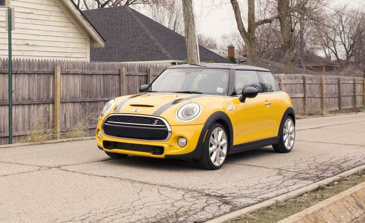2015 mini cooper s hardtop 4 door first drive review car and driver. Black Bedroom Furniture Sets. Home Design Ideas