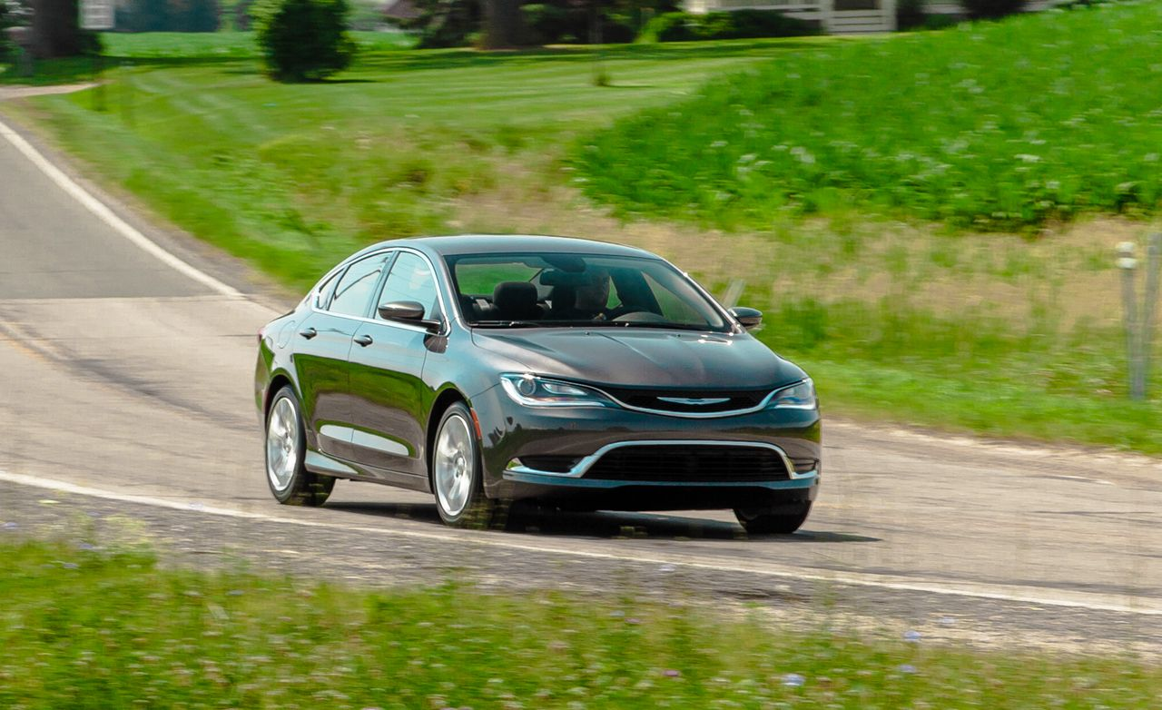 2015 Chrysler 200 Limited FWD