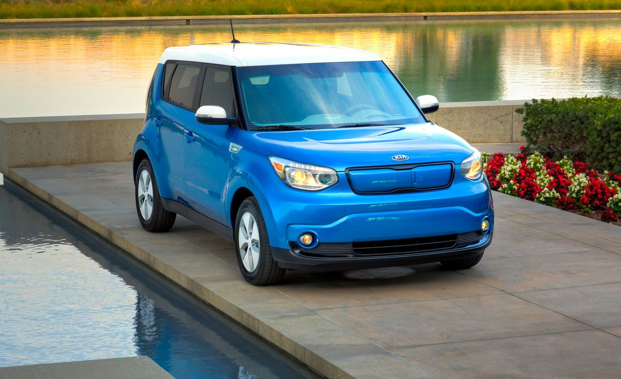 Kia Soul Ev Reviews Kia Soul Ev Price Photos And Specs Car