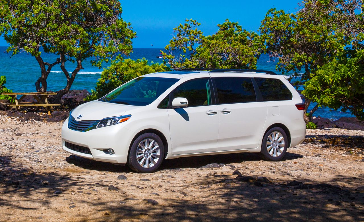 Toyota Sienna Reviews | Toyota Sienna Price, Photos, And Specs | Car And  Driver
