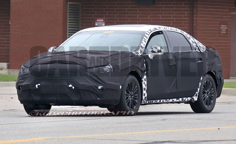 2016 Ford Fusion Spy Photos