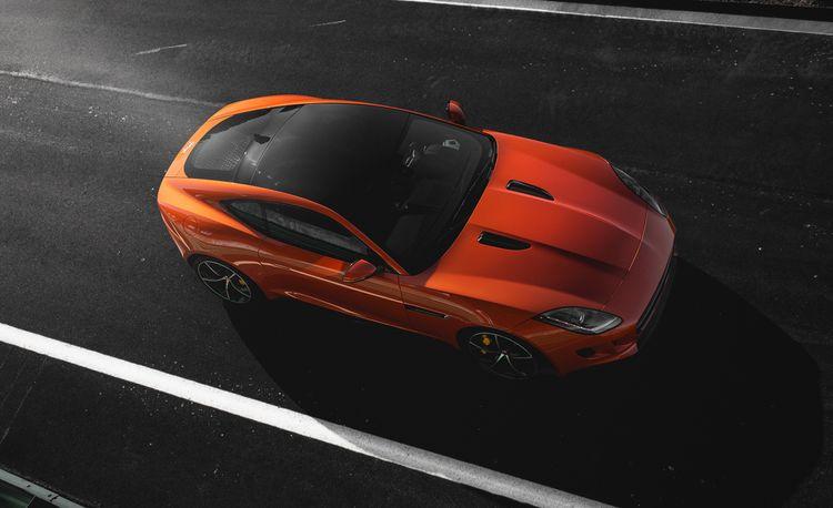 Lightning Lap 2014: Jaguar F-type R Coupe