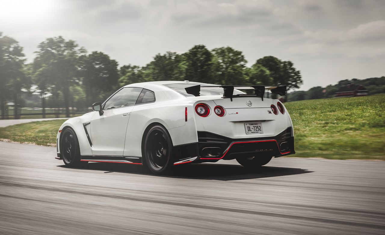 lightning lap 2014: nissan gt-r nismo hot lap – video – car and driver