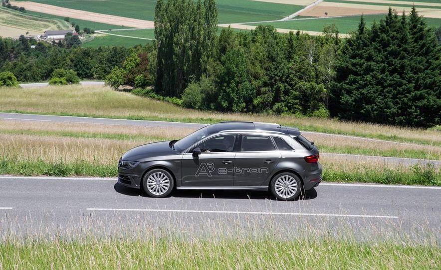 2016 Audi A3 Sportback e-tron (Euro-spec) - Slide 6