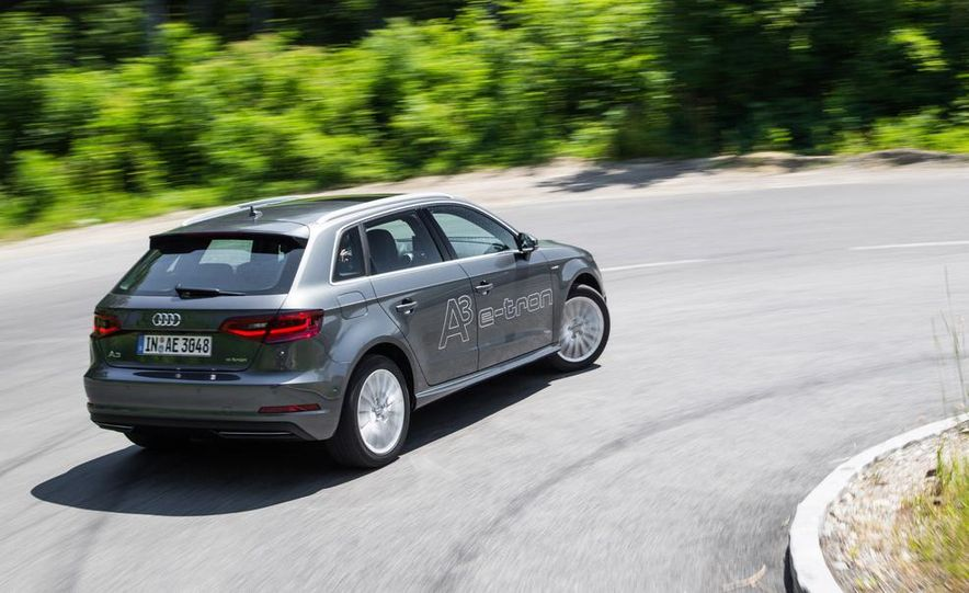 2016 Audi A3 Sportback e-tron (Euro-spec) - Slide 8