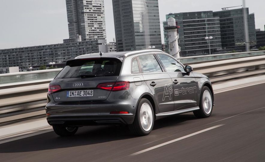 2016 Audi A3 Sportback e-tron (Euro-spec) - Slide 9