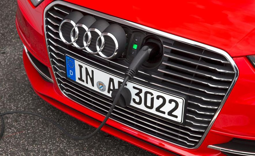 2016 Audi A3 Sportback e-tron (Euro-spec) - Slide 19
