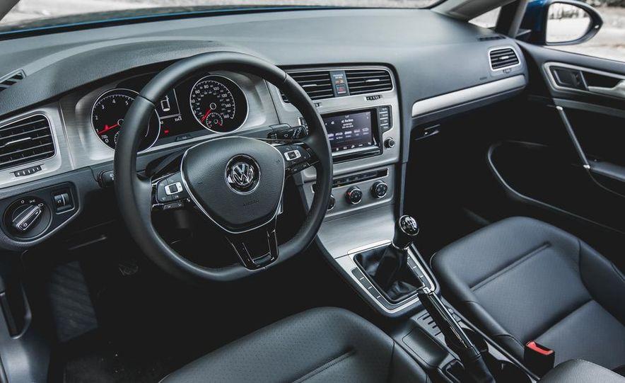 2015 Volkswagen Golf 1.8T TSI - Slide 23