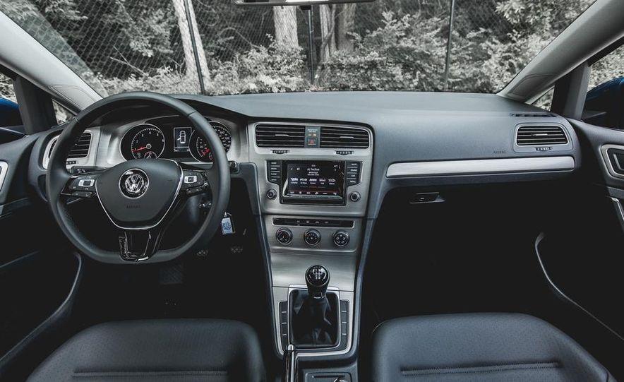 2015 Volkswagen Golf 1.8T TSI - Slide 24