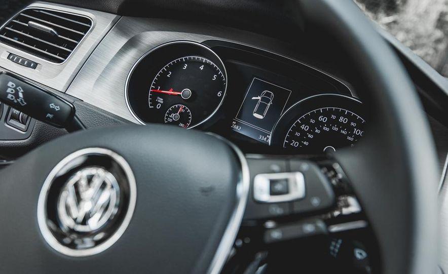 2015 Volkswagen Golf 1.8T TSI - Slide 32