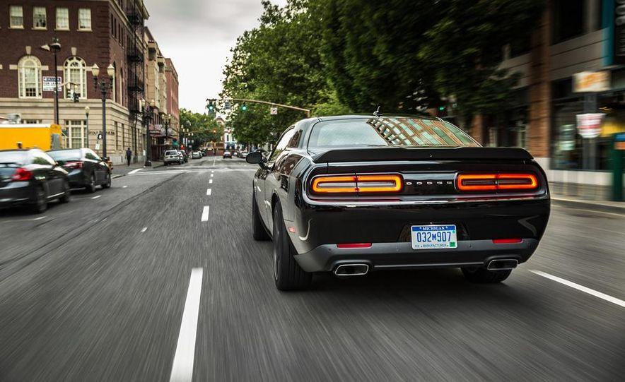 2015 Dodge Challenger R/T Scat Pack - Slide 31