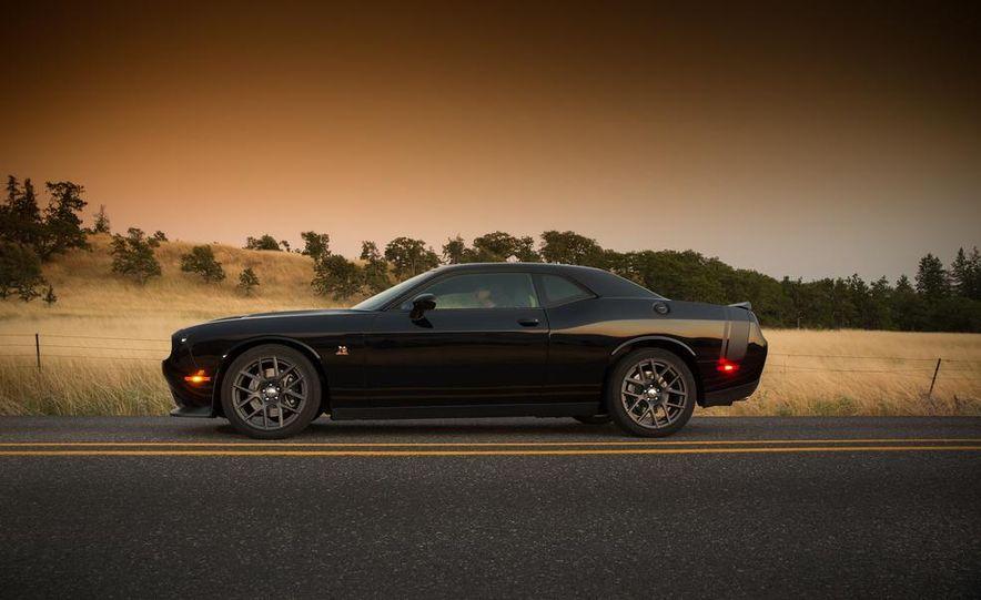 2015 Dodge Challenger R/T Scat Pack - Slide 40