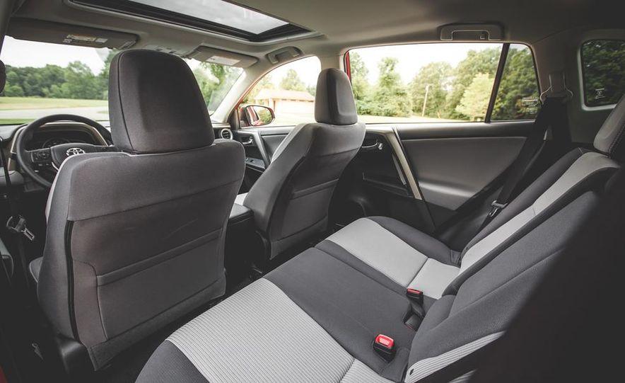 2014 Toyota RAV4 XLE FWD - Slide 37