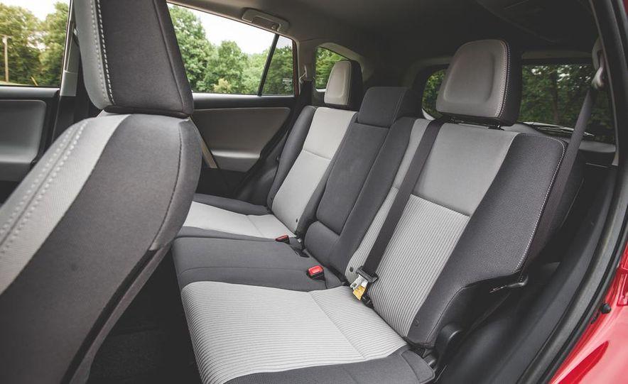 2014 Toyota RAV4 XLE FWD - Slide 38