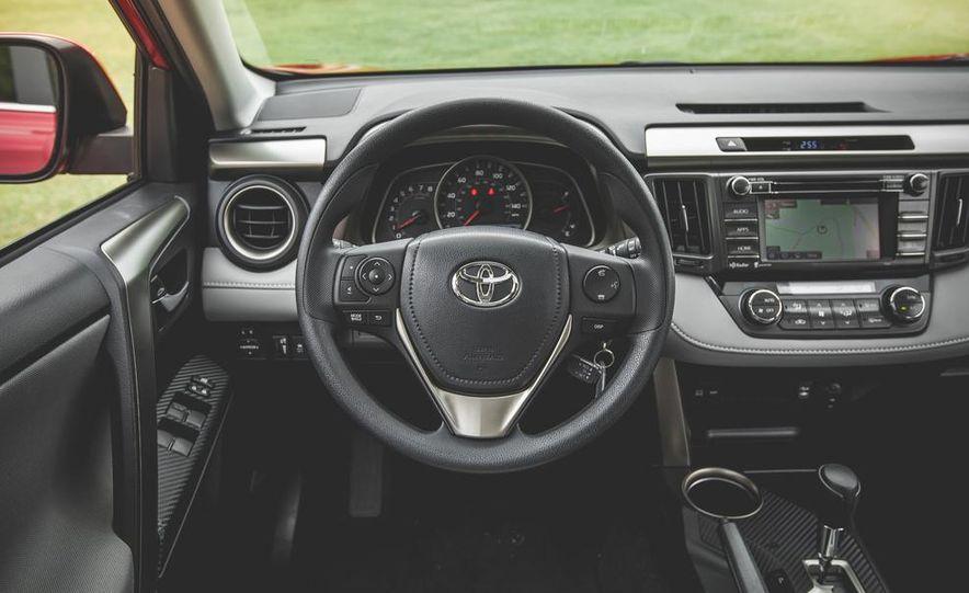 2014 Toyota RAV4 XLE FWD - Slide 39