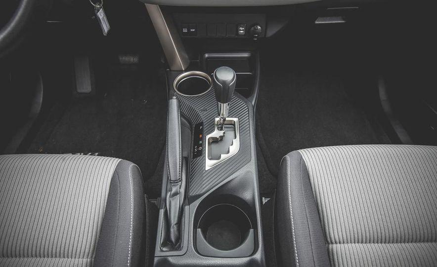 2014 Toyota RAV4 XLE FWD - Slide 41