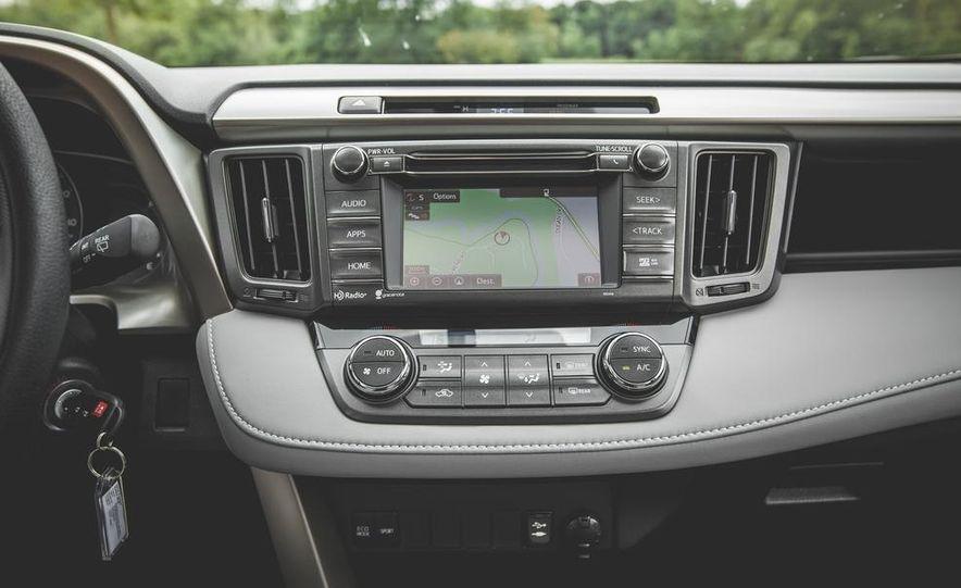 2014 Toyota RAV4 XLE FWD - Slide 46