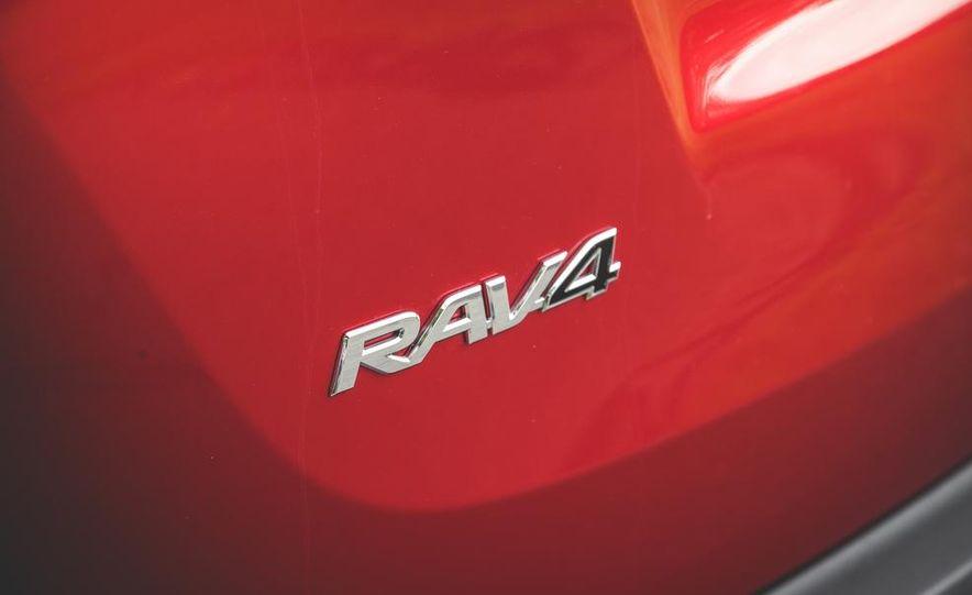 2014 Toyota RAV4 XLE FWD - Slide 26