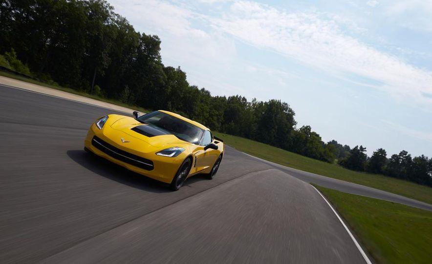 2015 Chevrolet Corvette Stingray coupe - Slide 3