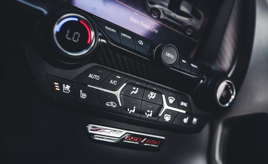 2015 Chevrolet Corvette Z06 - Slide 29