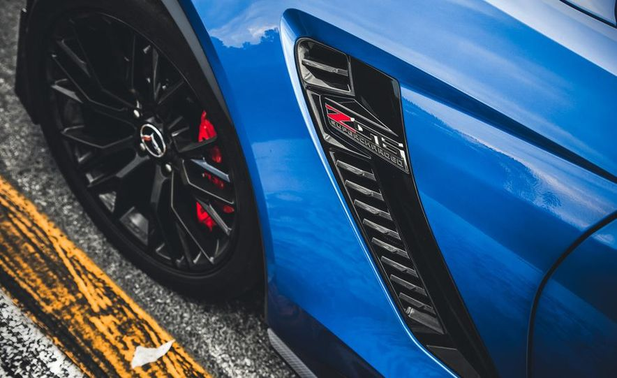 2015 Chevrolet Corvette Z06 - Slide 14