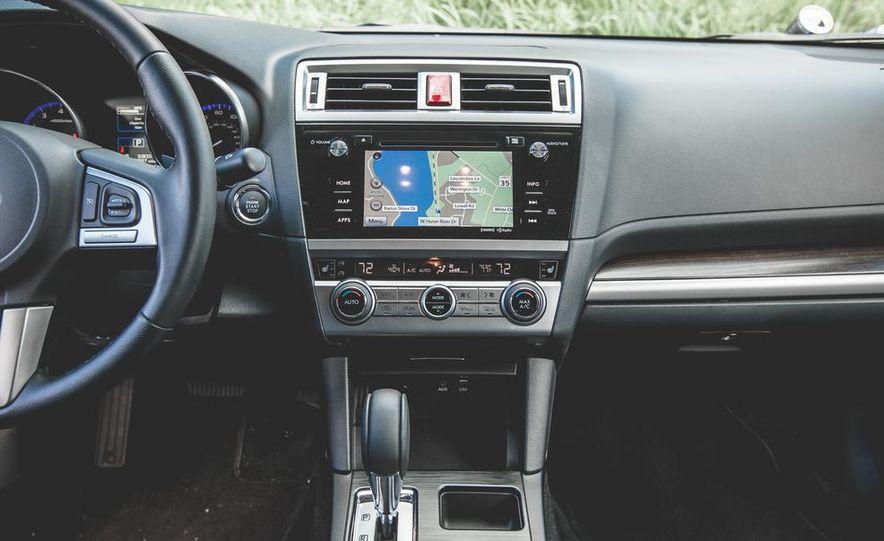 2015 Subaru Legacy 3.6R Limited - Slide 33